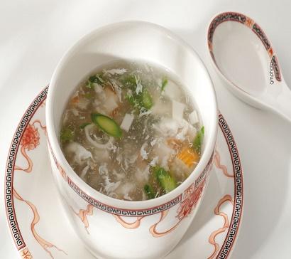 zuppa di granchio con asparagi